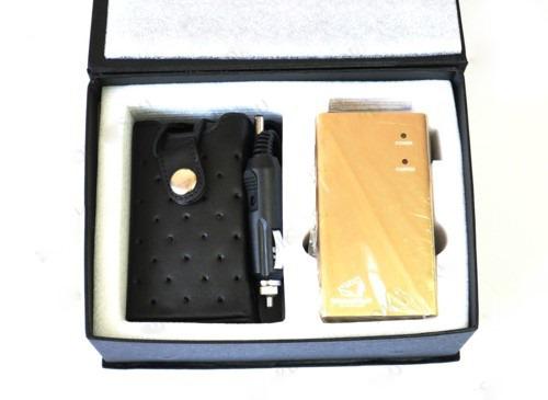 Подавитель сотовых телефонов BugHunter BP-12D и набор принадлежностей к нему продаются аккуратно упакованными в небольшую картонную коробку