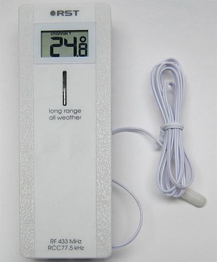 Прибор комплектуется 90-сантиметровым кабелем с термосенсором на конце