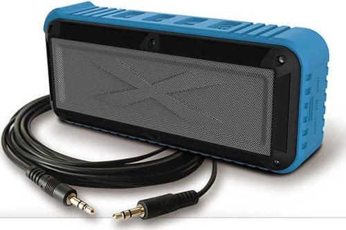 Для подключения колонки к устаревшим носителям аудиофайлов в комплекте поставки имеется аудиокабель с разъемами 3,5 мм