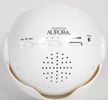 """Встроенный спикер планетария Homestar """"Aurora Alaska"""" находится рядом с трехпозиционным переключателем мелодий"""