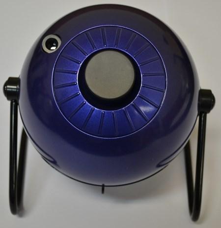 Во время хранения и бездействия планетария HomeStar Classic его объектив желательно закрывать крышкой из комплекта поставки для защиты оптики от пыли