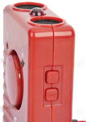 Кнопки включения сирены и фонарика находятся на торцевой стороне корпуса отпугивателя собак ГРОМ-250