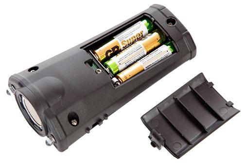 """Вид отпугивателя """"Собак.нет Вспышка+"""" со стороны батарейного отсека (кликните по картинке, чтобы увеличить изображение)"""