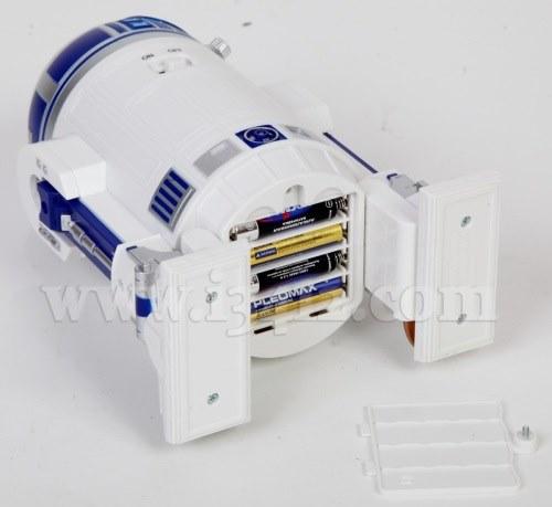 Батарейный отсек планетария HomeStar R2-D2. Располагается в основании дроида