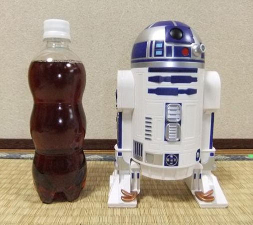 """Посмотрите, насколько миниатюрен планетарий """"HomeStar R2-D2"""" — он чуть ли не ниже бутылочки с лимонадом"""